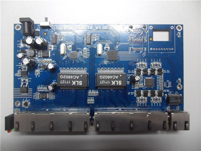 百兆8 1 1poe交换机,采用主芯片瑞昱品牌:rtl8305nb rtl8309n双组合
